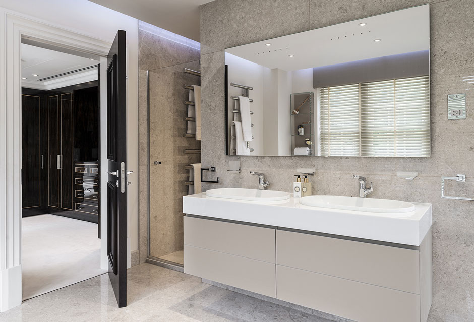 Stunning First Class Development – En Suite 1