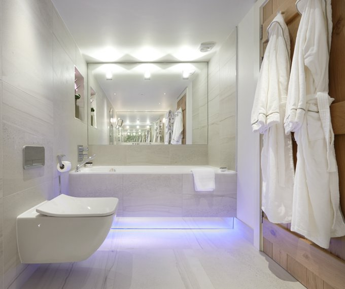 Honeysuckle Luxury Bathroom