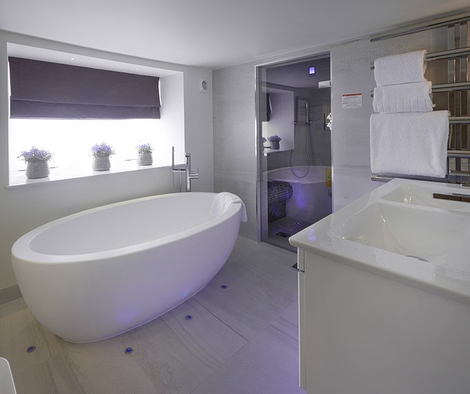 Juniper suite Luxury Bathroom