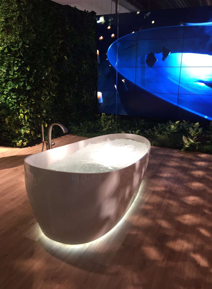 TOTO Floatation Bathtub